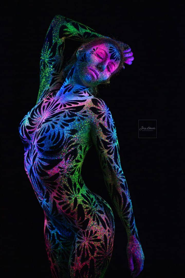 blacklight Bodypainting